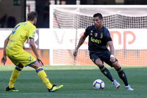 Cristiano Ronaldo ra mắt 'tịt ngòi', Juventus vẫn thắng vòng khai màn Serie A