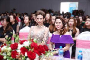 Võ Hoàng Yến hào hứng tham gia 'Ngày hội nghề nail'
