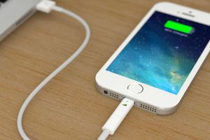 So sánh tốc độ sạc nhanh của Apple, Huawei, Samsung và OnePlus