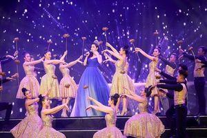Hoa hậu Đỗ Mỹ Linh lần đầu khoe giọng hát ấn tượng