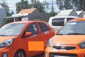 Quảng Nam: Cổ đông 'mỏi mắt' tìm Chủ tịch và 21 xe taxi?
