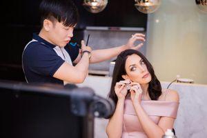 Hoa hậu Hoàn vũ Natalie Glebova nhờ cậy chuyên gia trang điểm Việt 'phù phép'