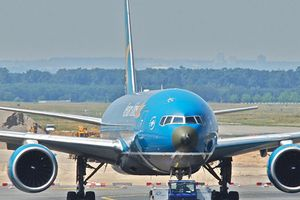 Đại diện Vietnam Airlines bác tin hãng lắp thêm ghế tại cửa thoát hiểm