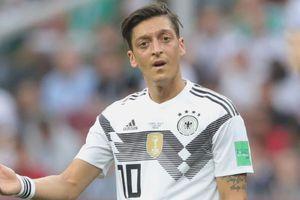 Chủ tịch Bayern: Phân biệt chủng tộc chỉ là cái cớ ngụy biện của Ozil