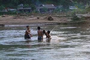 Những tràng cười giòn tan của con trẻ giữa 'tâm chấn' HIV ở Phú Thọ