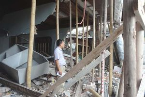 Rắc rối vụ ô tô đâm sập nhà dân chưa đền bù thiệt hại