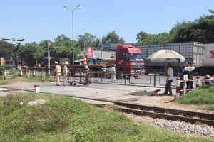 Quảng Nam: Va chạm với container, người phụ nữ tử vong