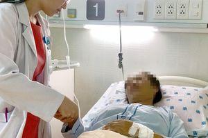 Ngộ nhận là 'bệnh đàn ông', người phụ nữ ói ra máu