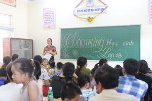 Trẻ vào lớp 1 háo hức học những quy tắc đầu tiên