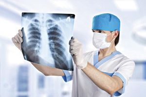 Bệnh ung thư phổi diễn viên Mai Phương đang mắc di căn sang xương nguy hiểm như thể nào?