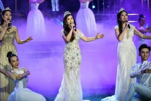 Bộ ba 'Nữ hoàng sắc đẹp' Việt Nam lần đầu hát chung