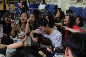 Hào hứng khai mạc 'Inspiration Day' THPT Chuyên Nguyễn Huệ - 2018