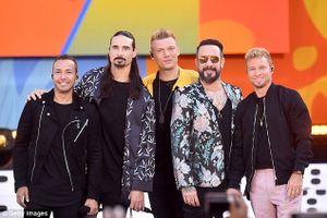 Bão lớn: Ít nhất 14 người bị thương trong buổi hòa nhạc của Backstreet Boys và 98 Degrees