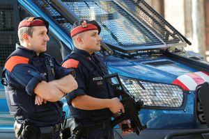 Cảnh sát Tây Ban Nha bắn hạ nghi phạm tấn công bằng dao ở Barcelona
