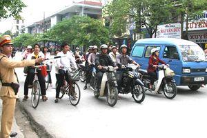 Quốc Oai chỉ đạo các đơn vị xử lý vi phạm an toàn giao thông
