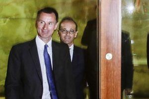 Lần đầu thăm Mỹ, Ngoại trưởng Anh đã ra đòn 'đánh' Nga