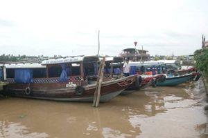 Chèo kéo khách du lịch tại bến tàu Ninh Kiều sẽ bị phạt 3 triệu