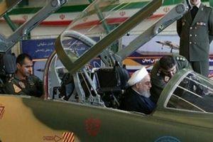Iran ra mắt chiến đấu cơ nội địa đầu tiên