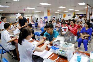 Hà Nội: Hàng trăm người dân tham gia hiến máu nhóm O