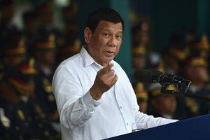 Tổng thống Duterte nổi giận vì Mỹ cảnh báo Philippines không được mua vũ khí của Nga