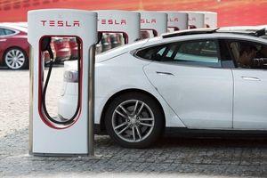 Nội bộ Tesla bất đồng sâu sắc