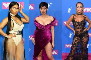 Loạt sao hở bạo trên thảm đỏ MTV Video Music Awards 2018