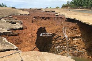 Nước thượng nguồn đổ về, đập thủy lợi ở Nghĩa Đàn hư hỏng
