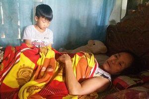 Hà Tĩnh: Hoàn cảnh đáng thương của cậu bé mồ côi trước năm học mới