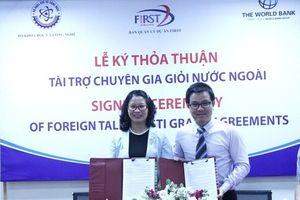 Ban quản lý Dự án FIRST ký thỏa thuận tài trợ 13 tiểu dự án