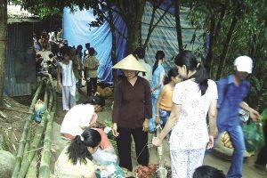 Chợ 'chồm hổm' ở miền Tây