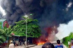 Hà Nội: Cháy lớn tại một xưởng sơn giáp Đại lộ Thăng Long