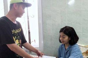 Nhật Tinh Anh: Mai Phương lạc quan, còn động viên lại người đến thăm