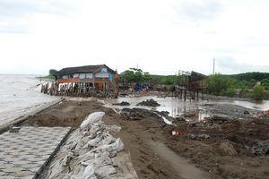 Bến Tre: Rất cần sự hỗ trợ để khắc phục sạt lở bờ sông, bờ biển