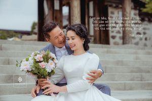 Sau 30 năm sống với nhau, bố mẹ tôi sang tận xứ hoa anh đào để chụp ảnh cưới