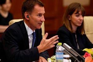 Ngoại trưởng Anh đề nghị Mỹ áp thêm các lệnh trừng phạt chống Nga