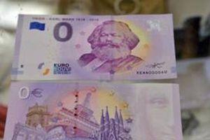 Tiền lưu niệm in hình Karl Marx được tiêu thụ mạnh