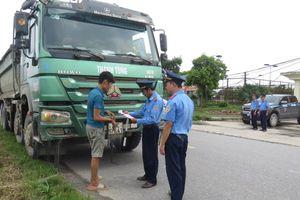 Huyện Thanh Oai: Mạnh tay xử lý xe quá tải