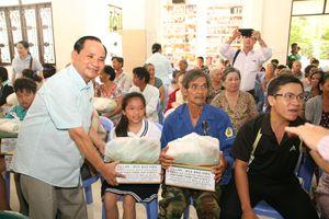 Trao 500 phần quà hỗ trợ đồng bào nghèo nhân Lễ Vu Lan
