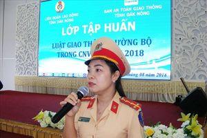 LĐLĐ tỉnh Đắk Nông: Tổ chức tuyên truyền Luật Giao thông đường bộ