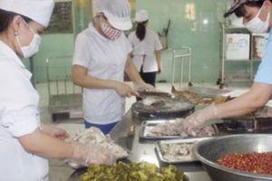 Supe Lâm Thao nỗ lực chăm sóc sức khỏe cho người lao động
