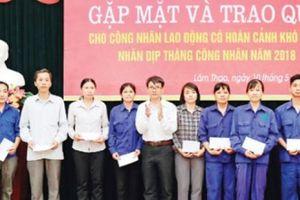 Cty phân bón Lâm Thao tiếp sức cho lao động có hoàn cảnh khó khăn