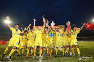 Khoảnh khắc Sông Lam Nghệ An lên ngôi Vô địch Giải U15 Quốc gia 2018