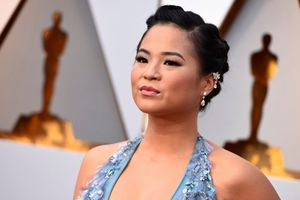 Nữ diễn viên gốc Việt trong phim 'Star Wars' được loạt sao Hollywood tôn vinh sau bài viết đanh thép chống kỳ thị chủng tộc