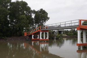 Cà Mau: Vận động tiền xây cầu phục vụ cho họ hàng Chủ tịch xã?