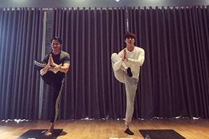 Phạm Anh Khoa bị 'quý ông' Minh Tú rủ rê tập yoga sau scandal tình ái náo loạn showbiz