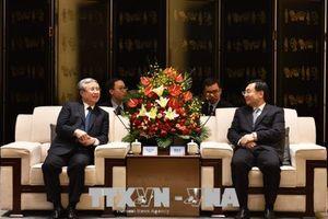 Đồng chí Trần Quốc Vượng thăm và làm việc tại Thiểm Tây, Trung Quốc