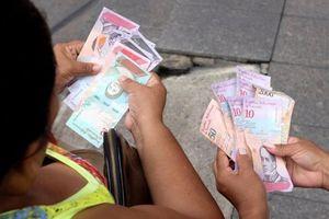 Venezuela rơi vào 'tê liệt' sau khi đổi tiền