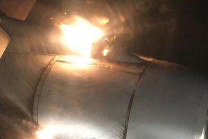 Thót tim máy bay chở hơn 200 hành khách bốc cháy dữ dội sau khi cất cánh