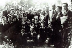 Chuyện tình Việt – Hung: Cha truyền con nối