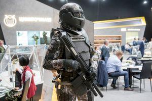 Nga giới thiệu quân phục giúp binh lính khỏe như robot